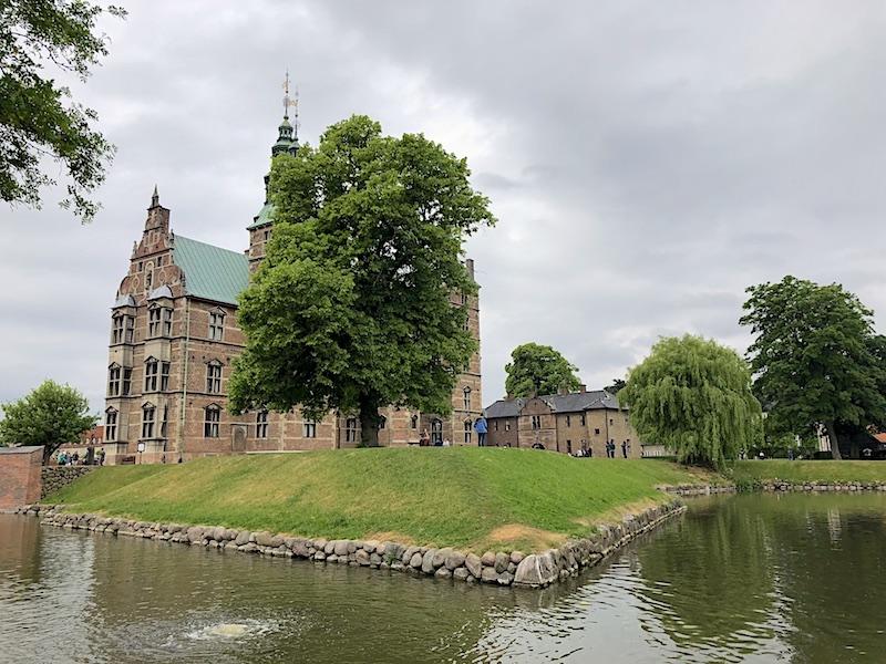 Rosenborg Kalesi ve Kraliyet Bahçesi