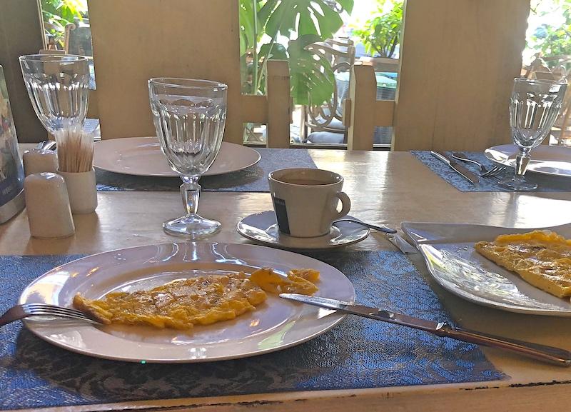 Batum'da Kahvaltı