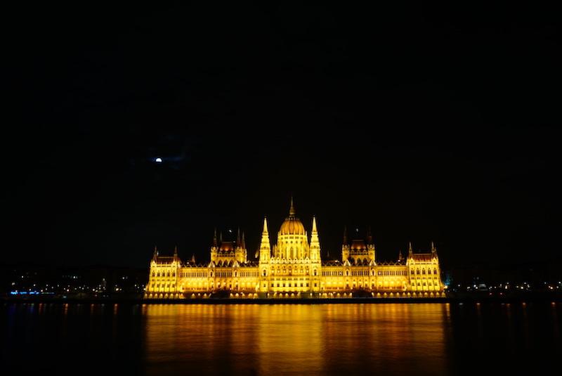 Budapeşte gezilecek yerler - Parlemento Binası