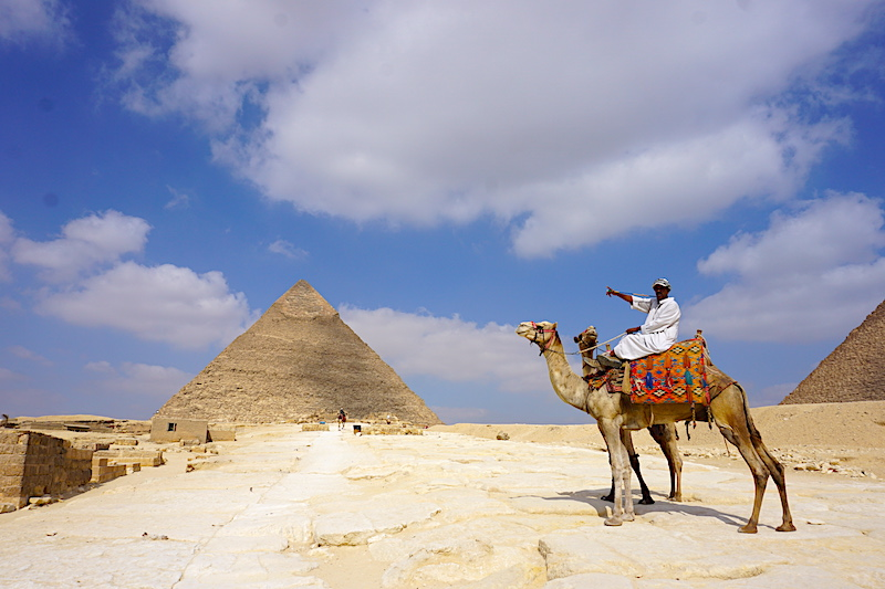 Giza Piramitlerindeki deveciler