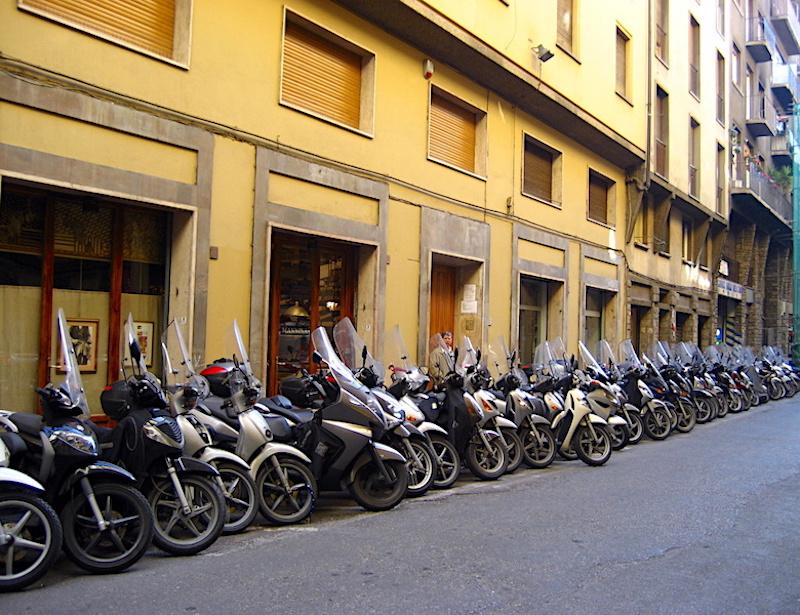 Floransa'da motosikletler