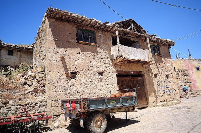 Köy evlerine bir örnek