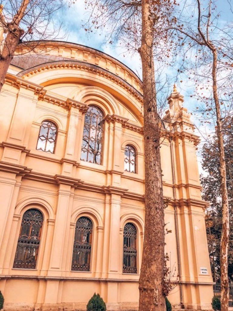 Beşiktaş gezilecek yerler - Küçük Mecidiye Camii