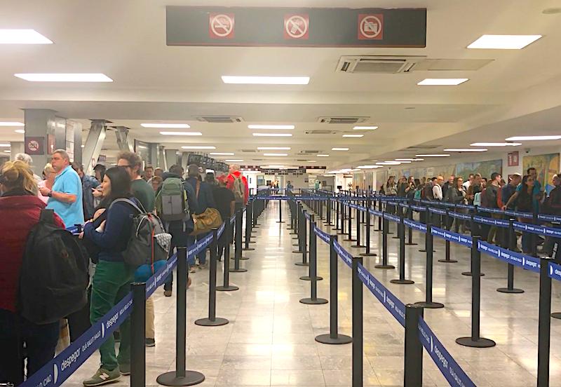 Mexico City Havaalanı pasaport sırası