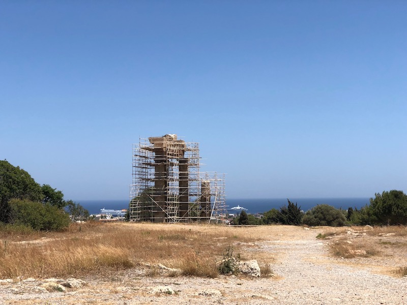 Akropolis ve Apollon Tapınağı