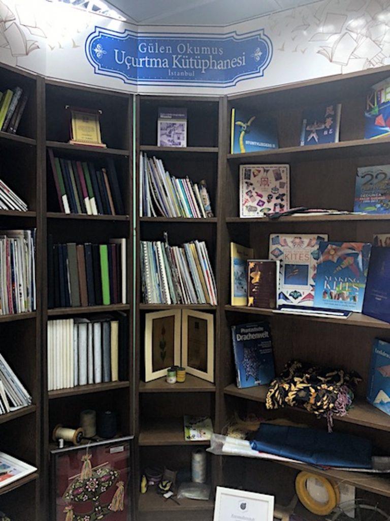 Uçurtma Kütüphanesi