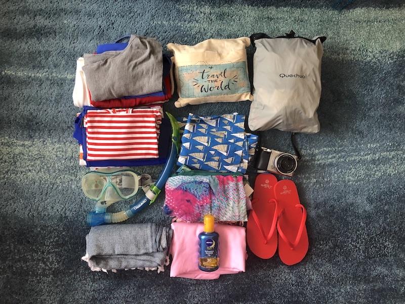 Yelkenli tekne turu için çanta hazırlama