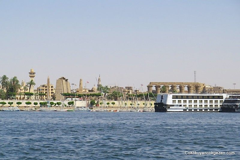 Abu Simbel Tapınağına gidiş - Nil yolu