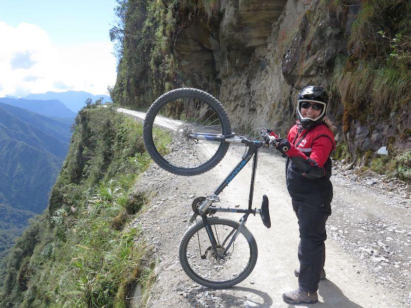 Bolivya Ölüm Yolunda Bisiklet Yolculuğu