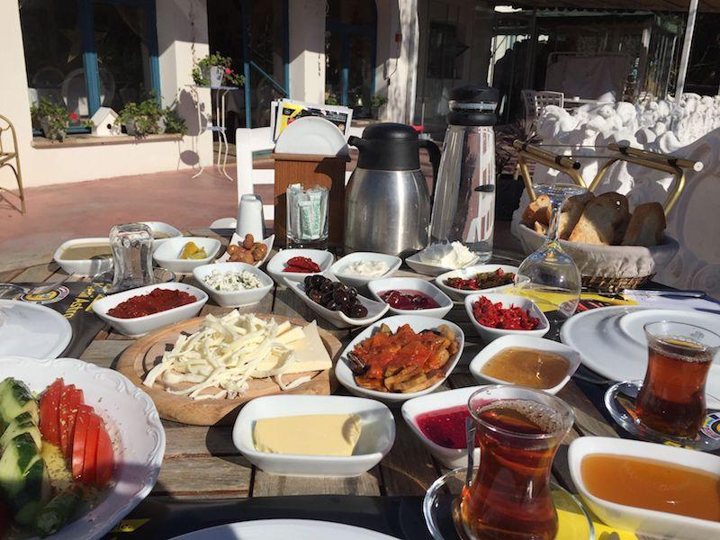 Urla'da kahvaltı