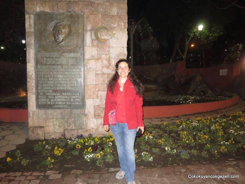 Santiago'da Mustafa Kemal Atatürk Anıtı