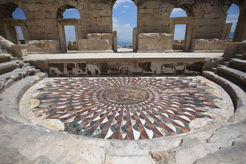 Kibyra Müzik Evi & Medusa Mozaiği