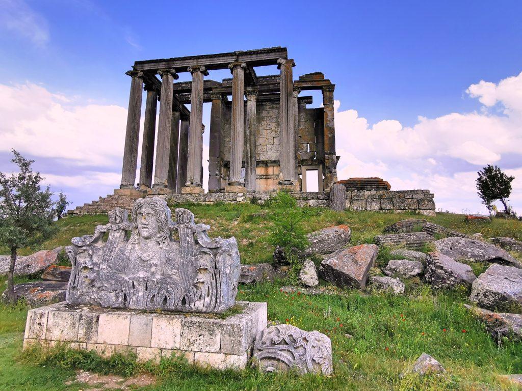 Dünyanın En İyi Korunmuş Zeus Tapınağı