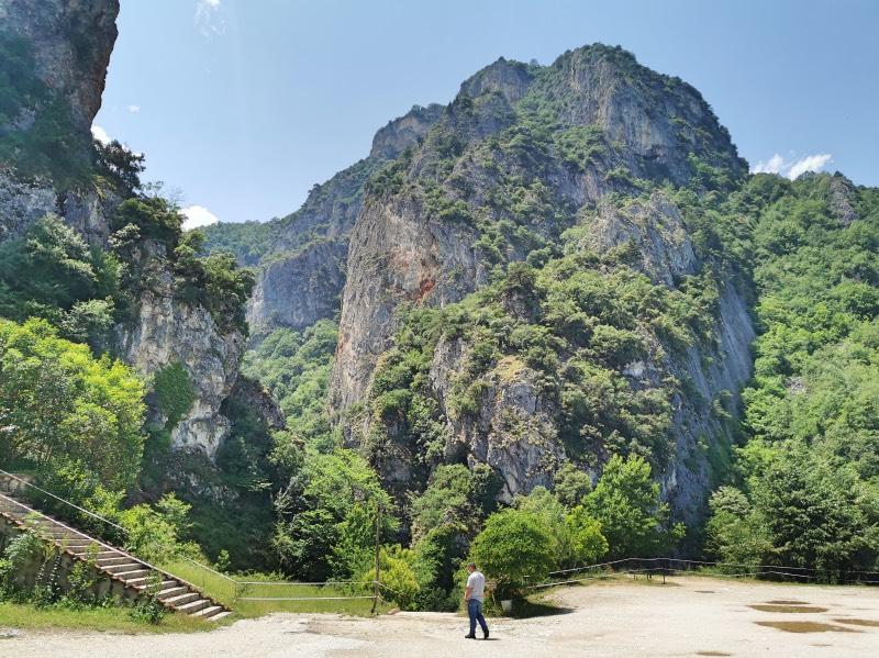 Oylat Mağarası'nın içinde bulunduğu kanyon