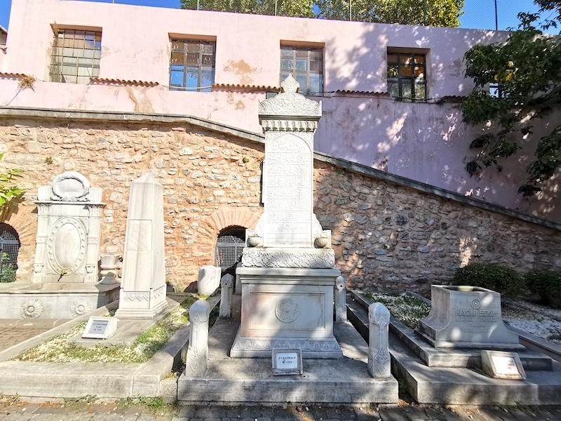 Ziya Gökalp'ın mezarı