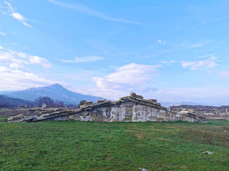 Artemis Tapınağı Kaidesi