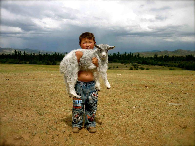 Dünyalar Güzeli Moğol Çocukları